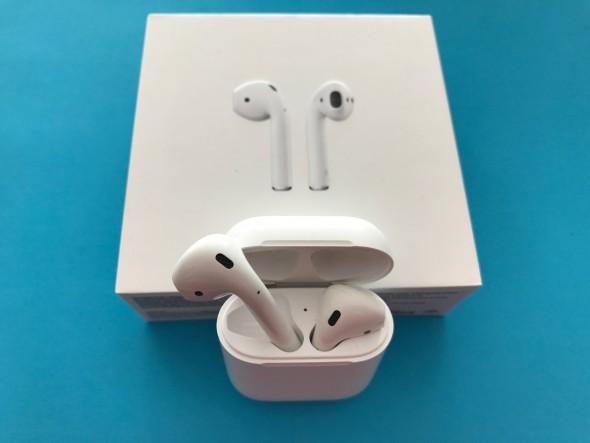 Review si pareri despre castile Apple AirPods, a ajuns in Romania